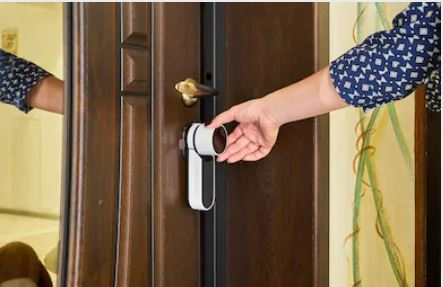 smart locks traditional which choose